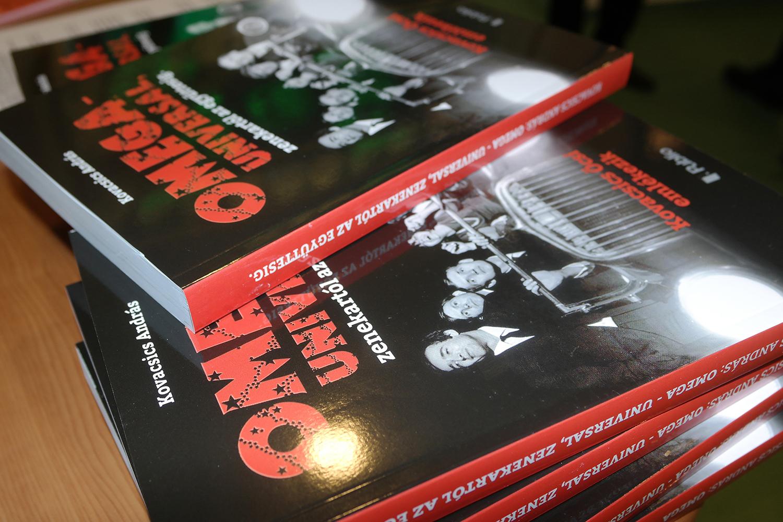 Sajtóközlemény: Egy könyvben a magyar rock hőskorának legnagyobb alakjai